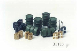 German Fuel Drum Set, Tamiya 35186